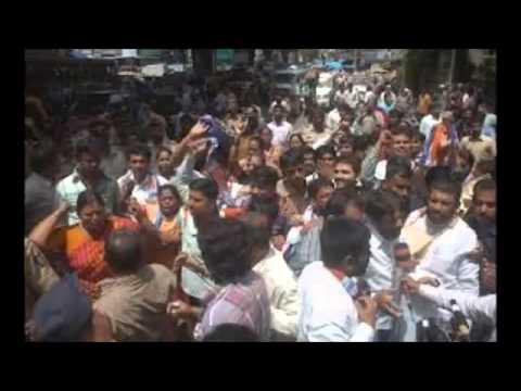 18 People killed in Mumbai stampede   Dawoodi Bohra spiritual leader died HQ