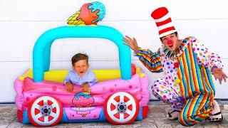 تشتري سينيا سيارات جديدة من البابا. مجموعة مسلسلات للأطفال