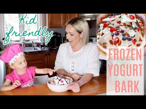 kid-friendly-recipes--frozen-yogurt-bark|-cooking-with-my-2-year-old|-tres-chic-mama