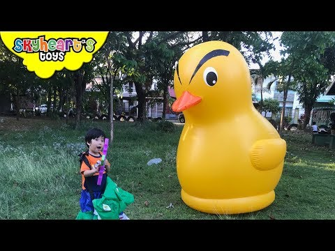 Giant duck attack