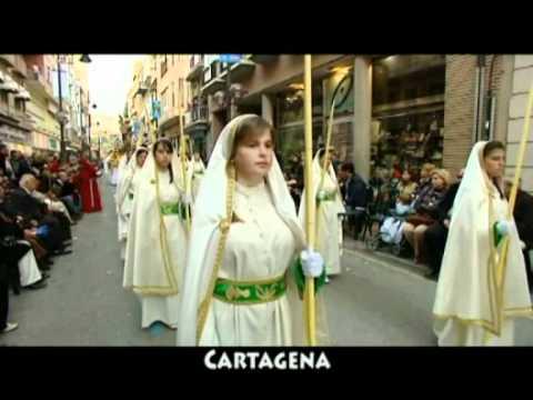 La Semana Santa de Cartagena se pasea en metro y en tren