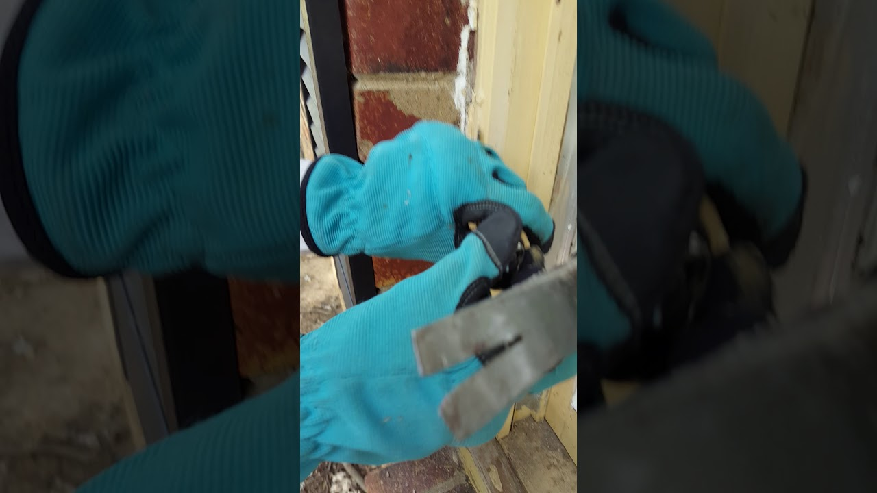 Diy: removing caulk from window frames the easy way - YouTube