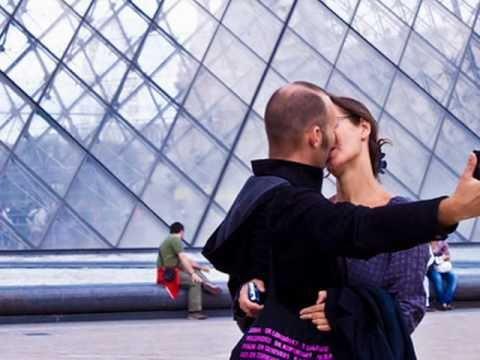 I give you Paris~ a splendid journey through the city.