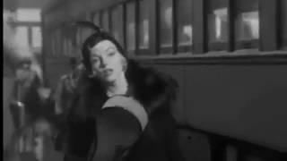 Мерлин Монро В джазе только двушки Сцена у поезда