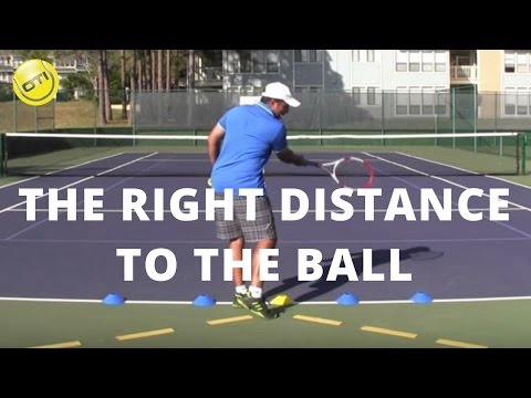 Tennis Tip: The Right Distance To The Ball