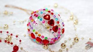 Елочные украшения из пластиковых шаров. Видеоурок