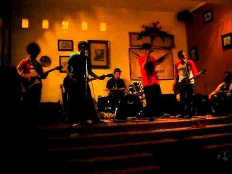 foodcourt - memory 05 (live acoustic).avi