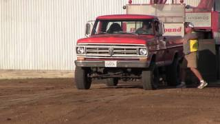 Central Illinois Truck Pullers - 2015 Four-Wheel Drive Factory Stock Gas - Truck Pulls Compilation