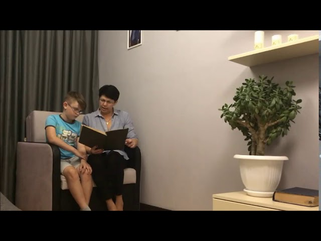 Изображение предпросмотра прочтения – МакарБольшаков читает произведение «Евгений Онегин» А.С.Пушкина