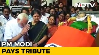 PM Modi Pays Tribute To Jayalalithaa