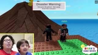 Ryan y papá jugando Roblox divirtiéndose / Xbox1
