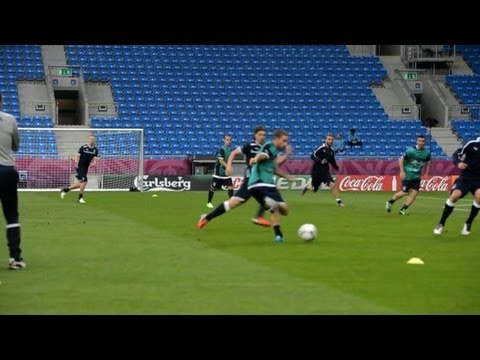 Prandelli wants team to get behind Croat defence