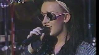 culture club do you really want to hurt me live 1983