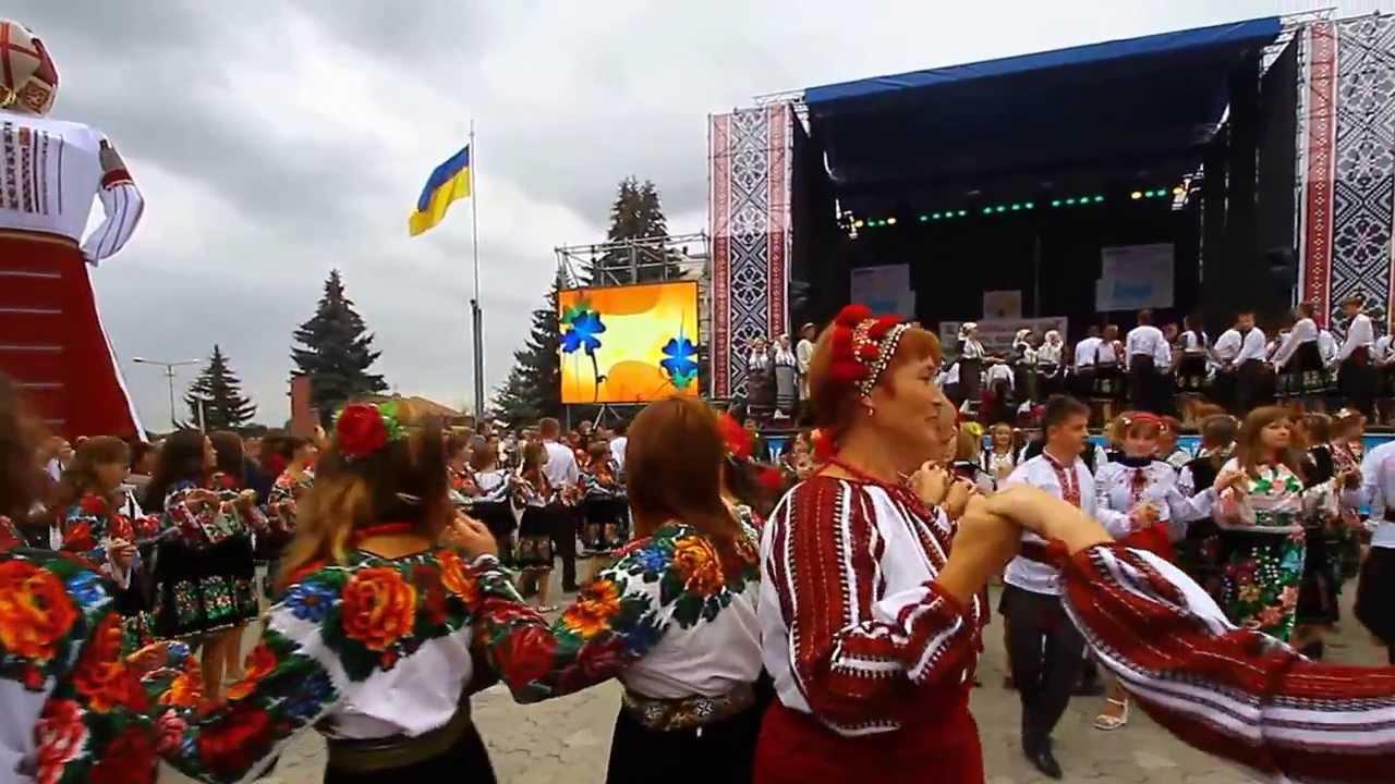 В Борщівському краї цвітуть вишиванки-2012 - YouTube 3166bfafc9f08