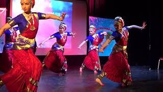 Танцевальная группа В.Кришнарадж
