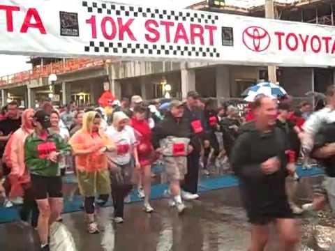 toyota 10k Start of the 2010 Toyota 10K at the Flying Pig Marathon - YouTube