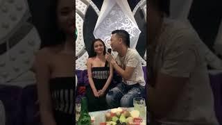Huấn Hoa Hồng Hát Nhạc Chế Bóp Vú Mon 2k3-Em Vú Bự Gái Phụ Vụ Trong Karaoke