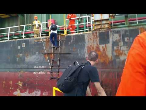 Another Crazy Day At Work - Dangerous Landing Panama part1