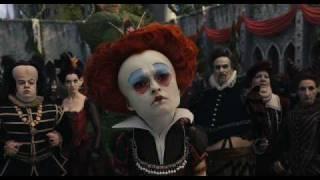Download Alicia en El País de las Maravillas de Tim Burton   Escena: 'Vestid a esta niña'   HD Mp3 and Videos