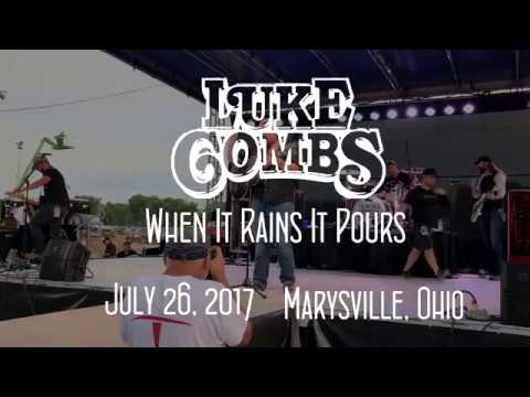Luke Combs - When It Rains It Pours (Live)