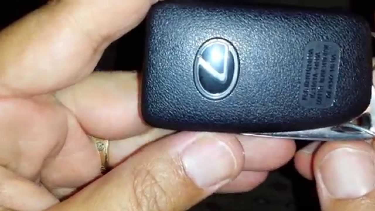 How to open a lexus key fob