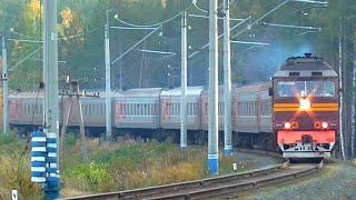Тепловоз ТЭП70-0477 с пригородным поездом Екатеринбург - Алапаевск - Сосьва