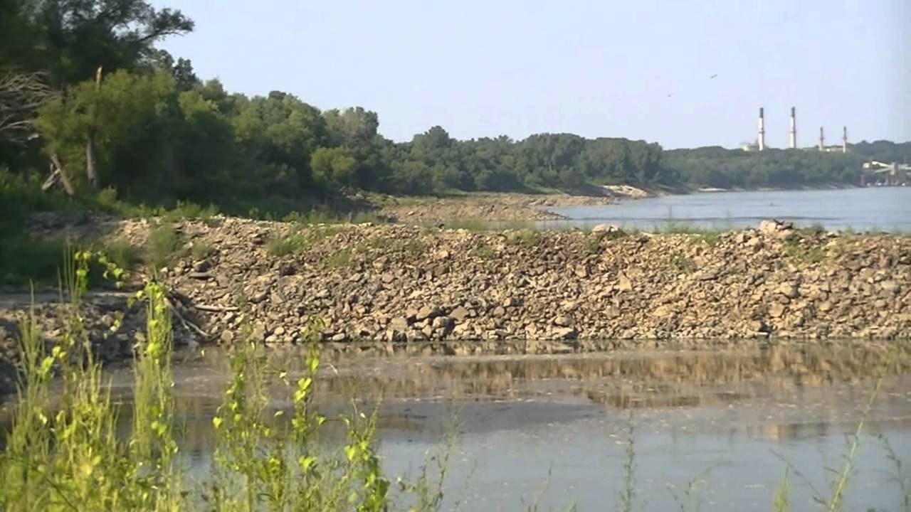 (Before & After) Mississippi River Empty Due to Extreme Drought (St.louis)