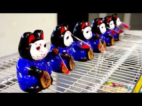 Japanese Prosperity Cats with Knife - 동영상