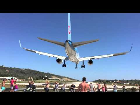 Hawaii Airport Landing