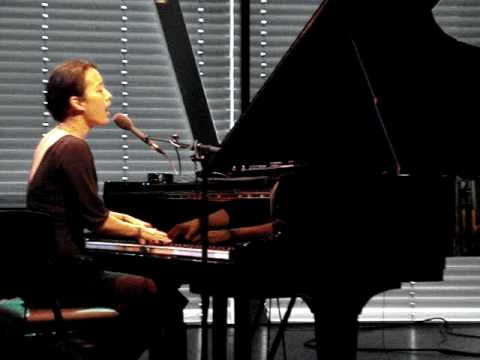 Vienna Teng - Antebellum (Live at Bimhuis in Amsterdam, the Netherlands)