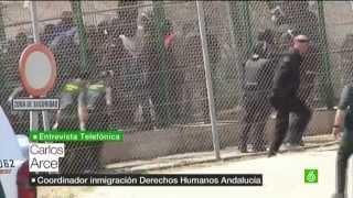 Un guardia civil dispara extintor a inmigrante en la valla de Ceuta y Melilla