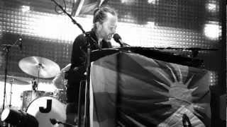 Radiohead Everything In Its Right Place (Intro Unravel by Bjork) Bercy Paris 2012