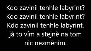 Raego Feat. Christina Delaney - LABYRINT (lyrics)