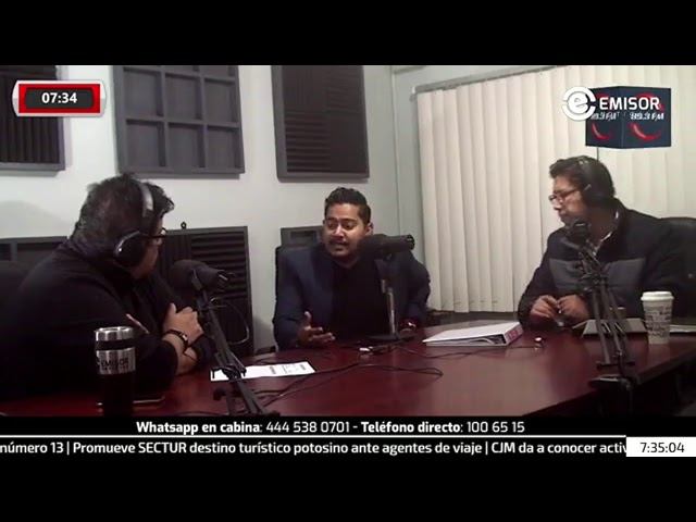 Gabo Salazar recibe su constancia como precandidato independiente a una diputación en #SLP