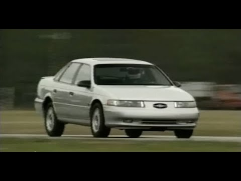 motorweek retro review 1990 lincoln town car doovi. Black Bedroom Furniture Sets. Home Design Ideas