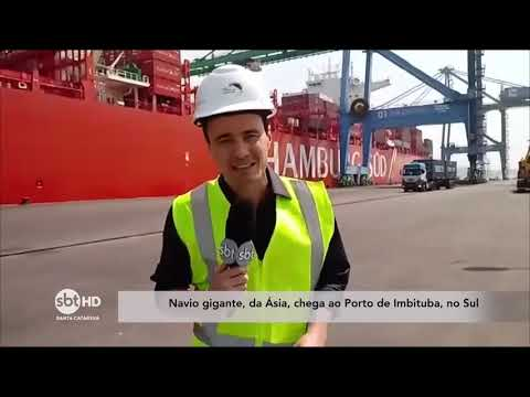 Navio gigante, da Ásia, chega ao Porto de Imbituba, no Sul de SC
