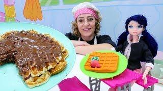 Ladybug Marinette ile seçkin bölümleri izle! Waffle ve kurabiye yapalım. Yemek tarifleri