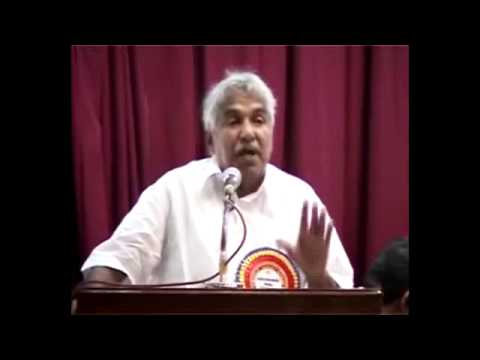 laptop-&-scholarship-for-sc-st-students-distributing-by-oommen-chandy-kerala-chief-minister