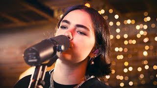 Download BENEE - Soaked - Live Performance