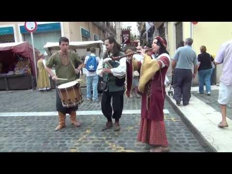 Evento itinerante por el mercado medieval fiestas Gandia 2013 banda musica medieval