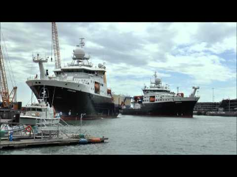 RRS James Cook and RRS Discovery at NOC