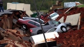 Raw: Miss. Parking Lot Cave-In Swallows 12 Cars