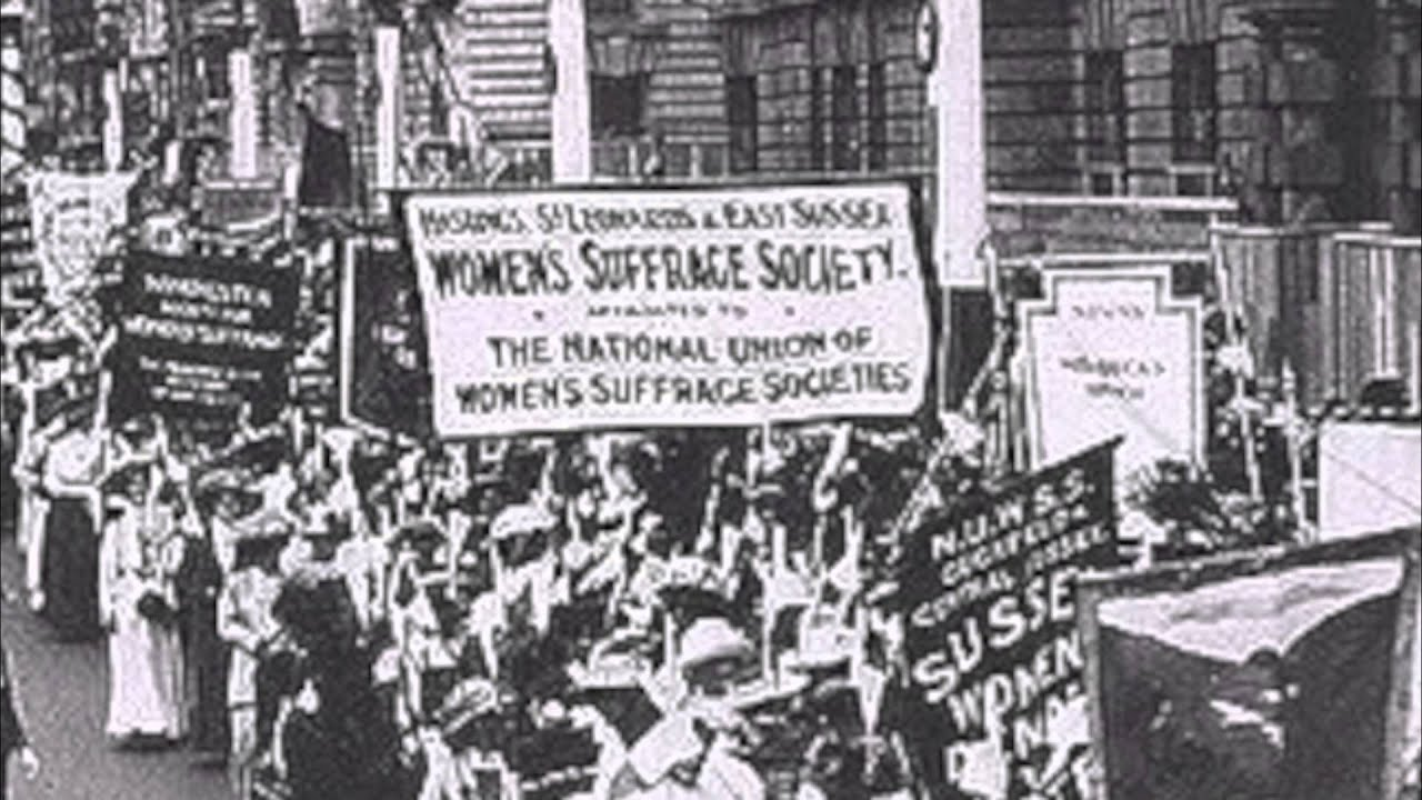 """women movement canada Canadian women's history text size: a a a  1929: the british privy council overturned a supreme court of canada decision and deemed women to be """"persons"""" (and therefore eligible for appointment to the senate)  the start of the women's liberation movement it consisted largely of white, well educated women who fought for reforms."""