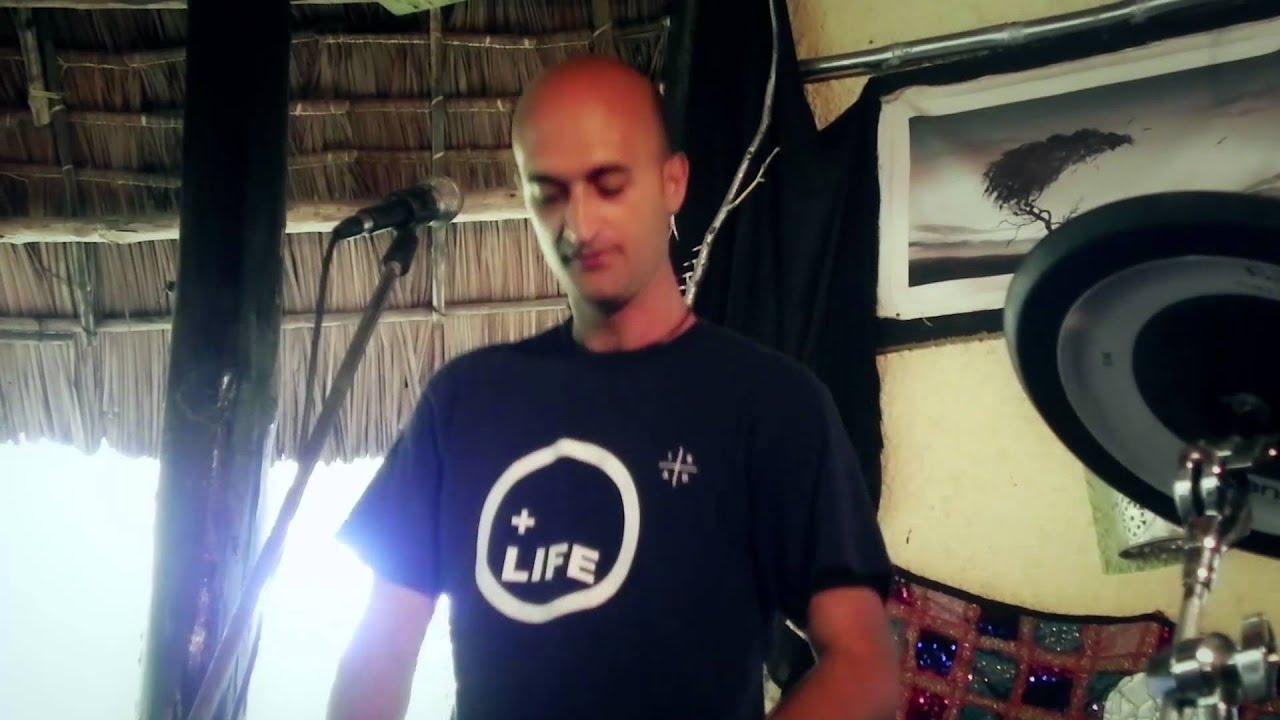 Download MR. BADO FEAT FRANCESCO-BE MINE OFFICIAL VIDEO.