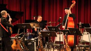 Michael Raitzyk Trio - Midnight at the Oasis