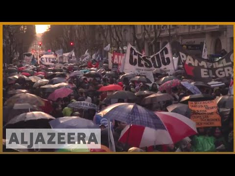 🇦🇷 Argentina economy; Thousands protest as peso tumbles | AL Jazeera English