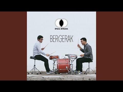 Download  Mencoba Ingatkan feat. Che Cupumanik Gratis, download lagu terbaru