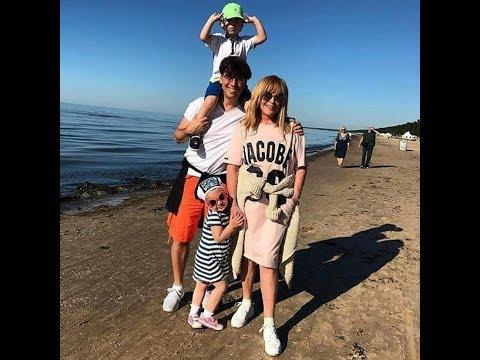 фото галкина и пугачевой на пляже в юрмале