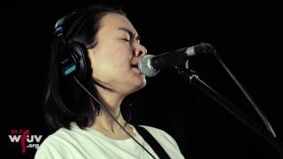 "Mitski - ""I Bet on Losing Dogs"" (Live at WFUV)"