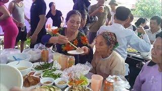 Ăn cỗ cưới chia phần - Nét đẹp vùng Quê